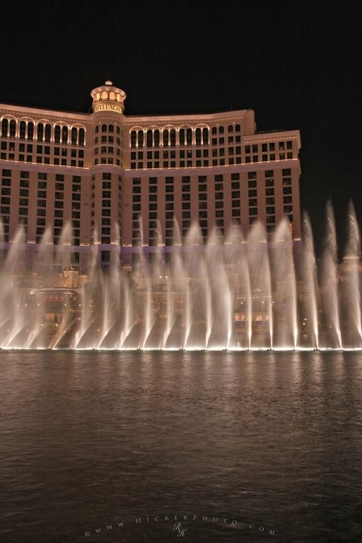 Bellagio Lake Night Water Show Picture