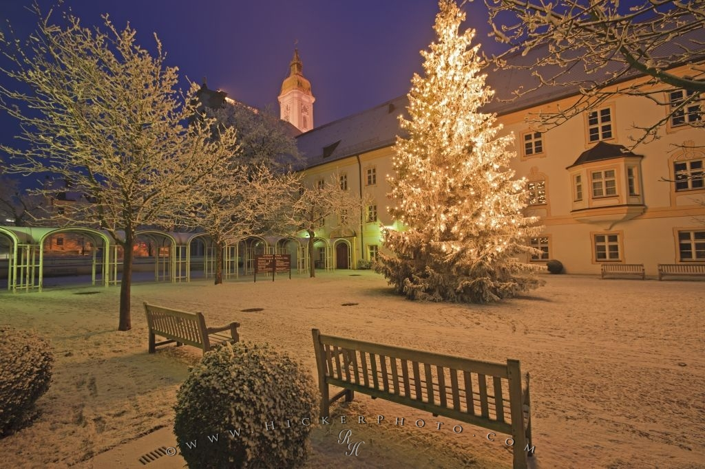 photo of a christmas scene during the onset of winter outside the landratsamt in freising bavaria in germany europe