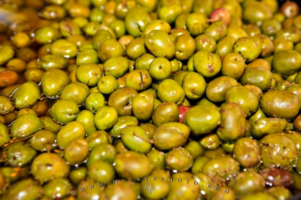 Photo Green Olives Market Stall Display Andalusia