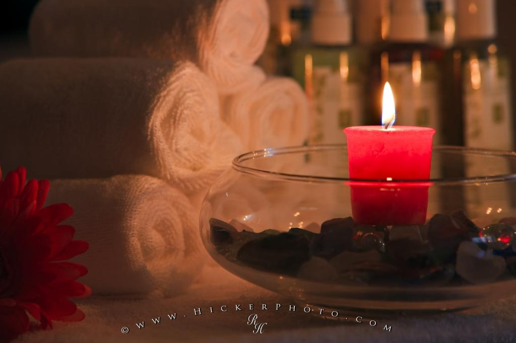 Relaxing Red Candle Day Spa Picture