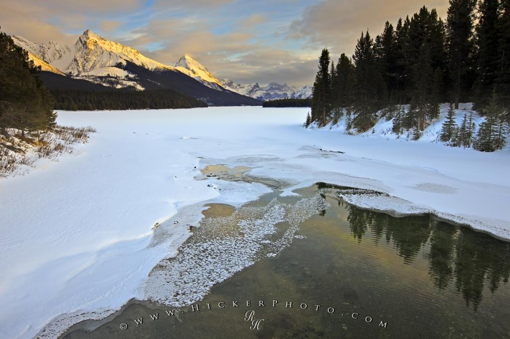 Beautiful Winter Landscape Maligne Lake