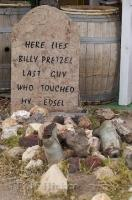 Funny Pics Graveyard Seligman