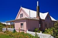 The Fyffe House is a charming colorful house in Kaikoura on the South Island of New Zealand.