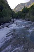 River Ara Pyrenees Mountain Valley Aragon