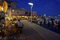 The small town of Sausset les Pins has a pretty waterfront which is abuzz at night with cafes and restaurants.
