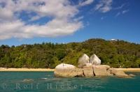 Split Apple Rock Tasman NZ