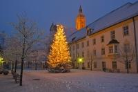 A beautiful wintery Christmas scene at the Landratsamt in the city of Freising in Bavaria, Germany.