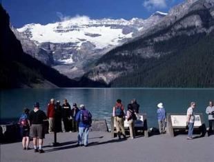 photo of Lake Louise ad 42420n
