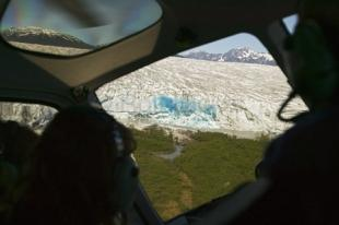 photo of helicopter glacier tours