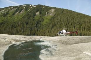 photo of taku glacier helicopter tour