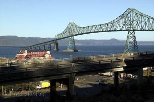 photo of astoria bridge oregon