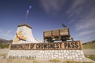 photo of crowsnest pass sign