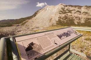 photo of frank slide Turtle mountain
