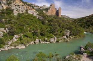 photo of Green River Aragon Spain