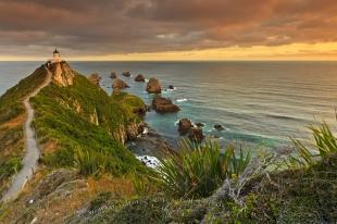 photo of Nugget Point Lighthouse Catlins