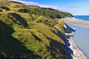 photo of New Zealand Scenic Hill Coastline