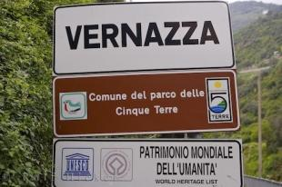 photo of Travel Destination Sign