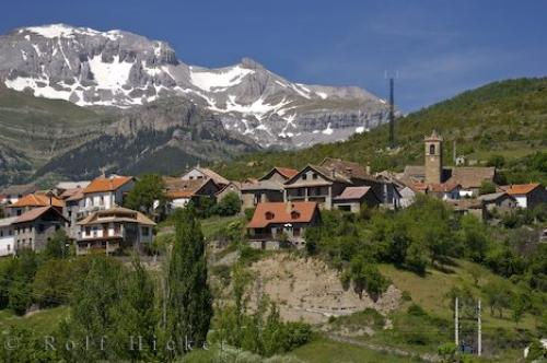 Jaca Spain  city pictures gallery : ... the city of Jaca and the Pyrenees in Huesca, Aragon, Spain in Europe