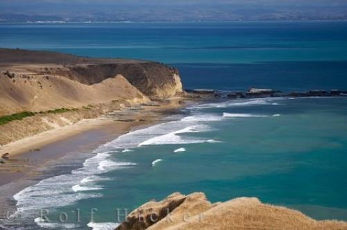 Photo:  Cape Kidnappers Coast Pacific Waves Hawkes Bay New Zealand