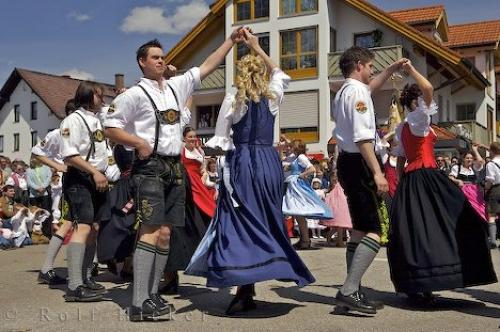 Traditional Maibaumfest