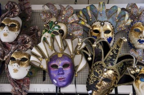 http://www.hickerphoto.com/data/media/183/venetian-masks-venice_12326.jpg