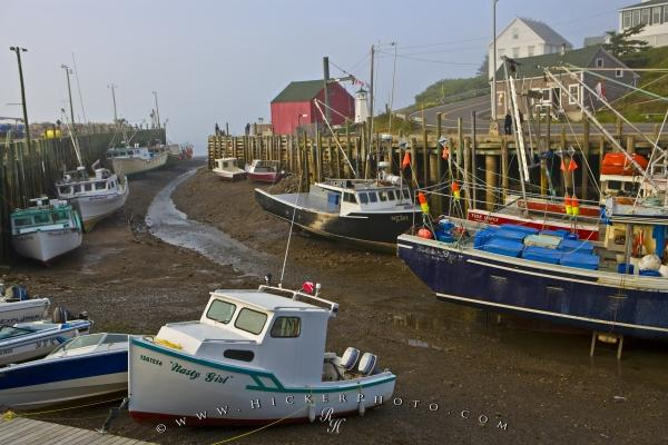 Photo:  Extreme Tides Hall's Harbour Bay of Fundy