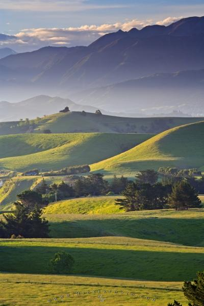 Photo:  Scenic Countryside Kaikoura Peninsula New Zealand