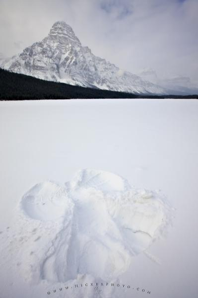 Photo:  Winter Snow Angel Picture Mountain Scenery