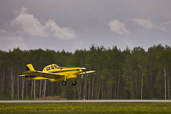 picture of the air tractor plane taking off